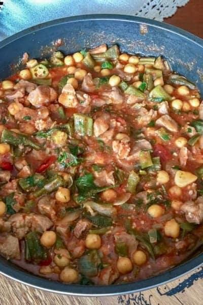 Mancare de Bame cu Naut si Carne de Porc