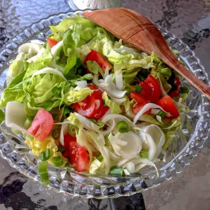 Andive cu Salata Verde si Rosii