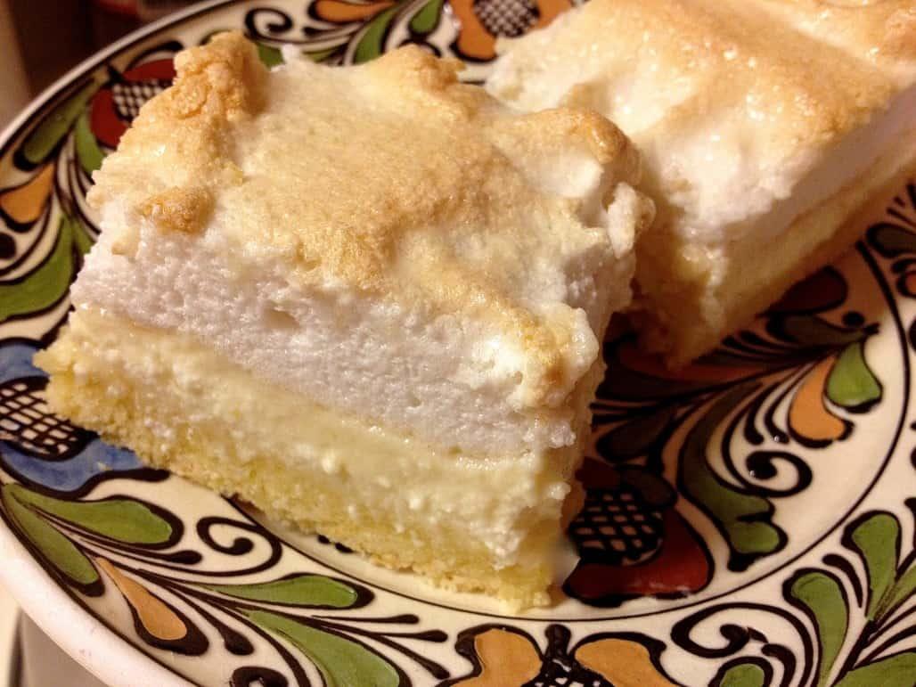 Meringue Farmers Cheese Cake