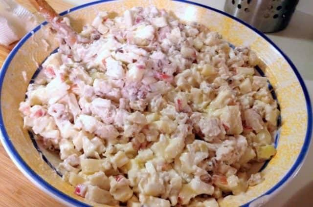 Salata De Telina Cu Mere Nuci Si Pui
