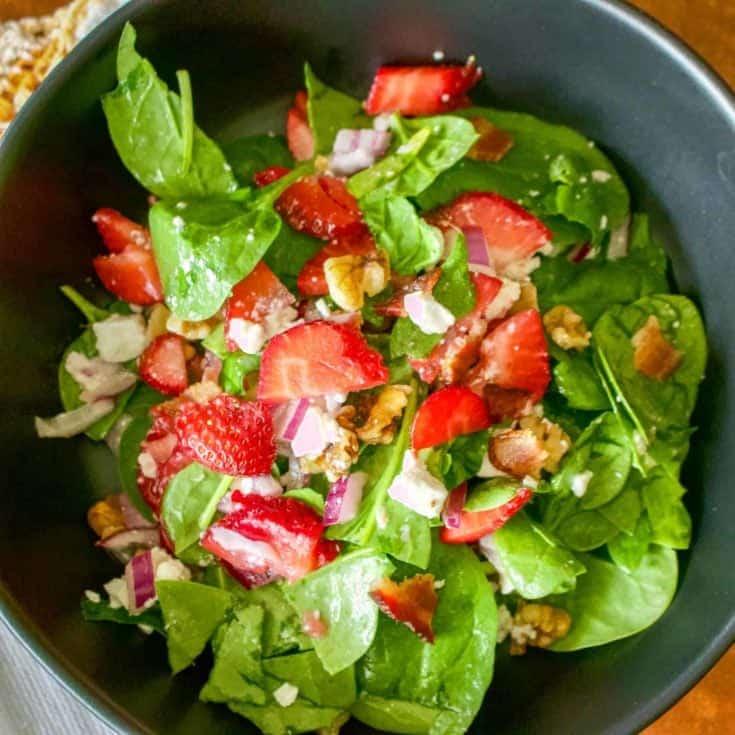 Salata de Spanac cu Capsuni si Nuci