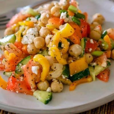 Salata de Naut cu Rosii si Branza