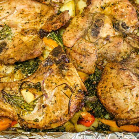 Pork chops with vegetables square0