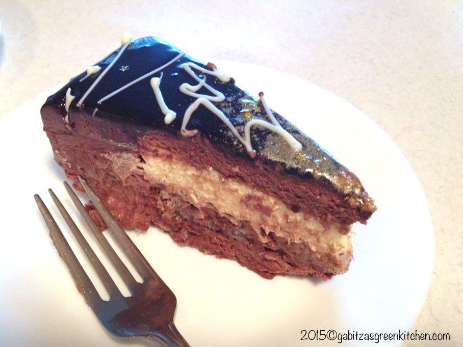 Tort Cu Mousse De Ciocolata Si Crema De Vanilie