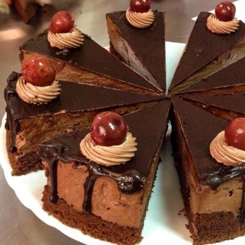 Tort De Ciocolata Cu Visine5