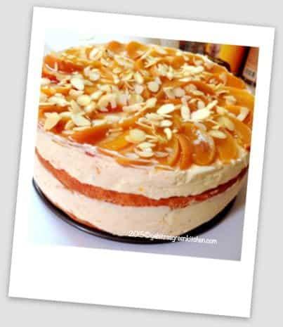 Tort cu Crema Mascarpone si Piersici