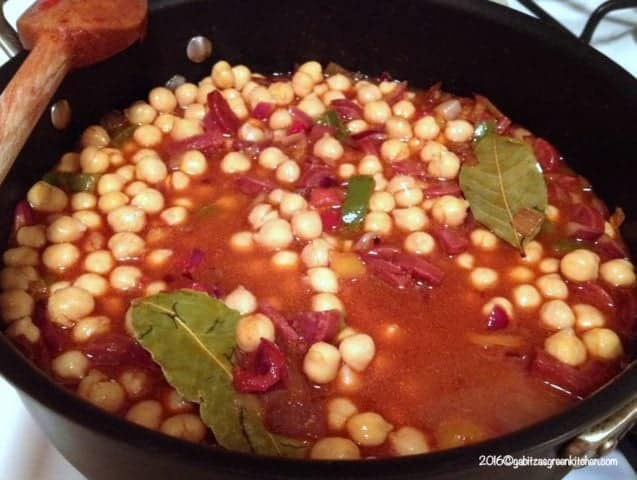 Mancare De Naut Cu Carnat Chorizo- Din Bucataria Spaniola