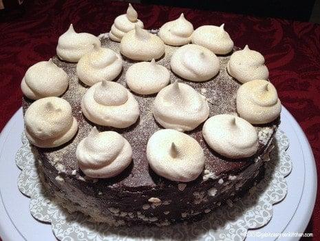 Tort De Bezea Cu Ganache De Ciocolata